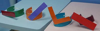 Headpieces corresponding to different vowel tones